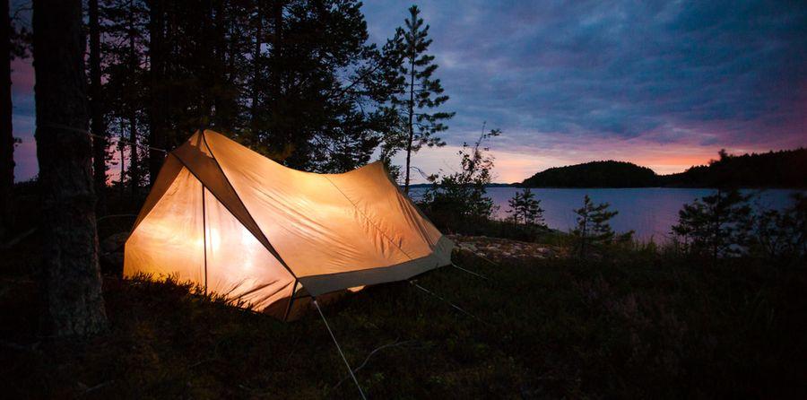 Camping-Zelt am Meer